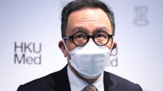 港大醫學院院長梁卓偉:新冠肺炎疫情至少持續到年底 全球合作是解方