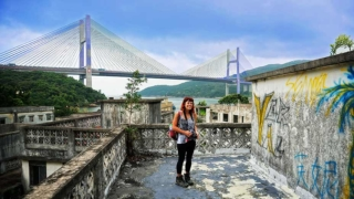 凱蒂探索被遺棄的馬灣村 Heather Explores Abandoned Ma Wan Village