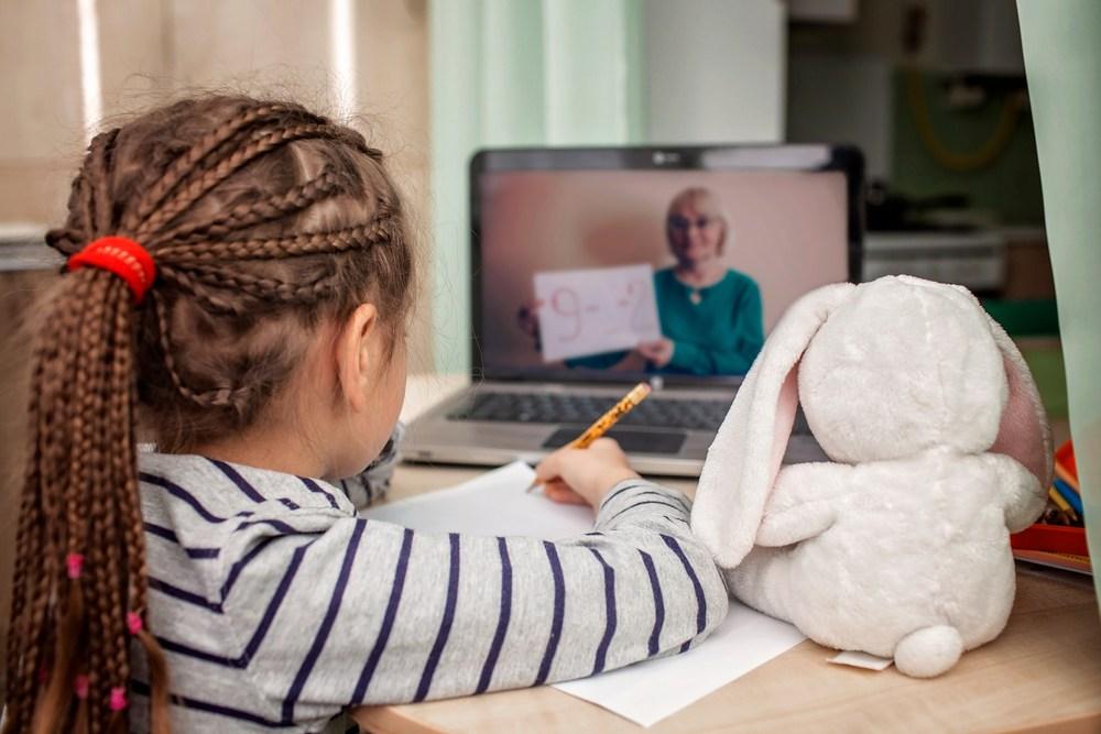 在動機低的學生眼中,電子學習更可能成為逃避學習的機會。(Shutterstock)