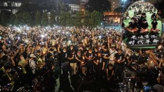 逾萬人維園紀念六四 無懼警方禁令 Over 10000 in Hong Kong Commemorates Tiananmen Massacre Defying Police Ban