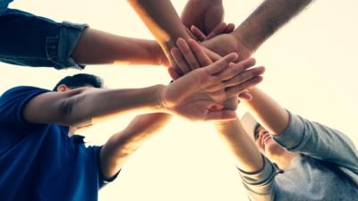團結就是力量,這次疫情沒有國界,病毒不分種族,任何國家都不能置身其外,獨善其身。(Shutterstock)