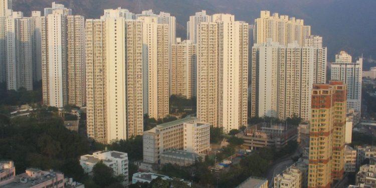 第15名死者是63歲男子,住在慈雲山慈樂邨樂誠樓,有長期病患。(Wikimedia Commons)