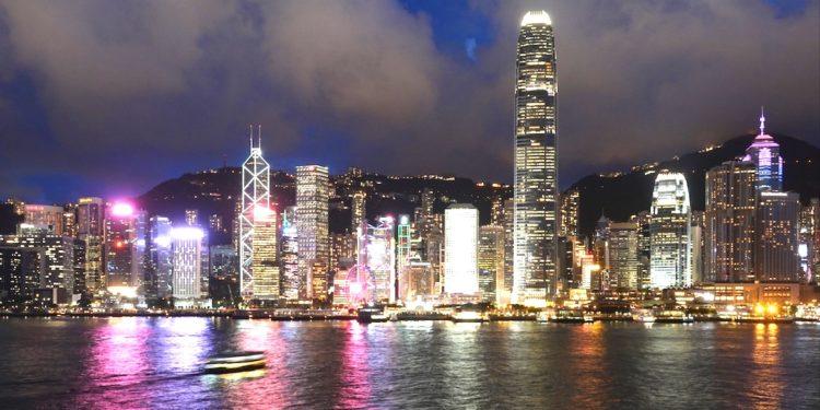 目前香港的外匯存底規模超過4400億美元,相當於香港貨幣基礎兩倍以上,為港元提供厚實支撐。(亞新社)
