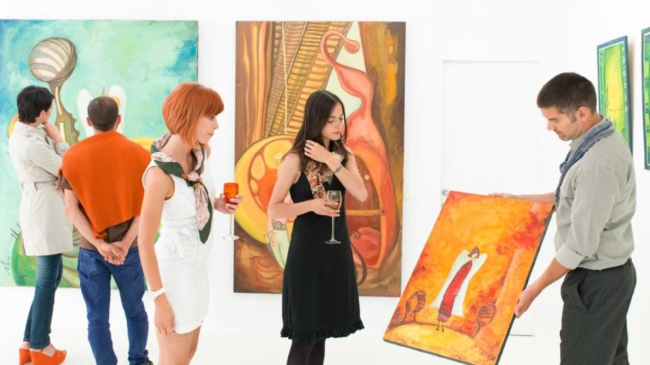 疫症肆虐,誰又有心情奢談藝術?答案是藝術不是奢侈,是人類要發現世界、認識自己和聯繫他人的追求。(Shutterstock)