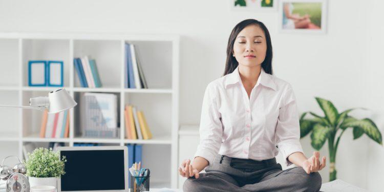 安靜的功法,隨時隨地都可以做。(Shutterstock)