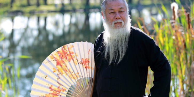 有智慧的人,珍惜健康,愛護生命,希冀延緩衰老而長壽。(Shutterstock)