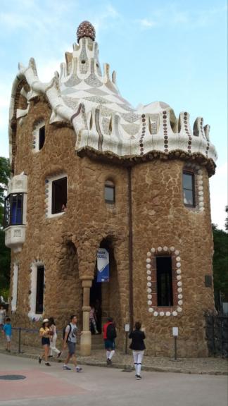 Barcellona奎爾公園內童話式建築物。