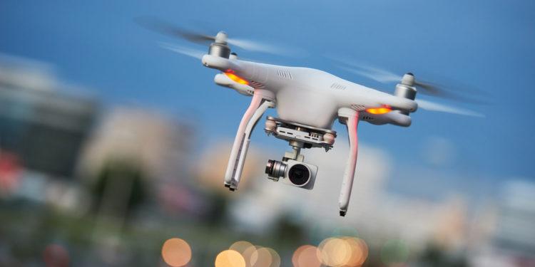 無人機結合編程、定位、鏡頭、AI、大數據、配件等,未來可以有更大發展,值得學習。(Shutterstock)