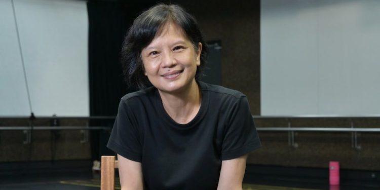 梅卓燕在香港舞蹈團,一跳,便跳了整整十年。她的中國舞基礎學得紮實,年紀輕輕就成了舞蹈團的台柱,曾擔任《黃土地》、《胭脂扣》、《玉卿嫂》等劇的女主角。