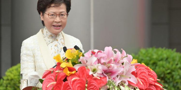 林鄭戰狼式的挑起爭議,對北京是弊多於利也説不定。(亞新社)
