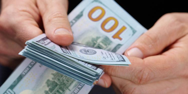 我給自己訂下的目標是用十年時間,累積1000萬美元的財富。(Shutterstock)