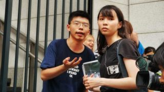 圍警總 黃之鋒 周庭 林朗彥 重判囚7-13.5月 國際震驚不公審判 Hong Kong Activists Joshua Wong, Agnes Chow & Ivan Lam Jailed – World Shocked by Unfair Trial