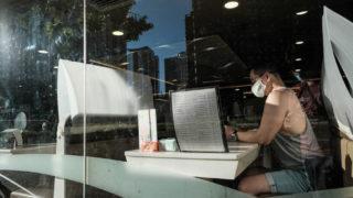 本港新冠確診破7000宗 周四起食肆晚上禁堂食 業界叫苦連天