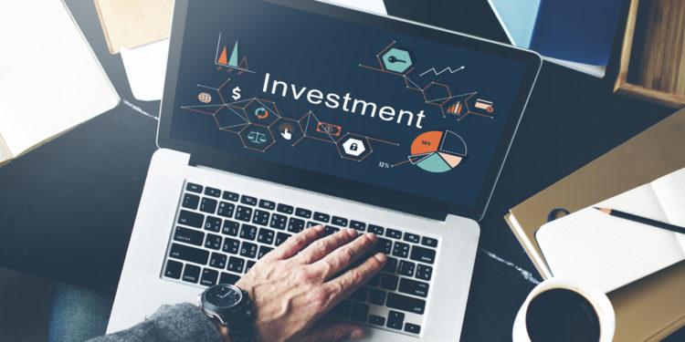 雖然互聯網上有不少金融資訊,但是資料的準確性與可靠程度並無保證。(Shutterstock)