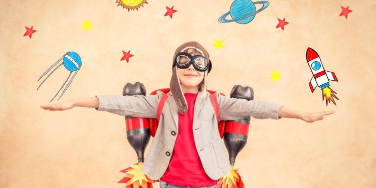 中一級的「創意價值教育課程」,讓學生學習在經歷中成長,引導他們認識自己,發掘「性格強項」,進而推己及人。(Shutterstock)