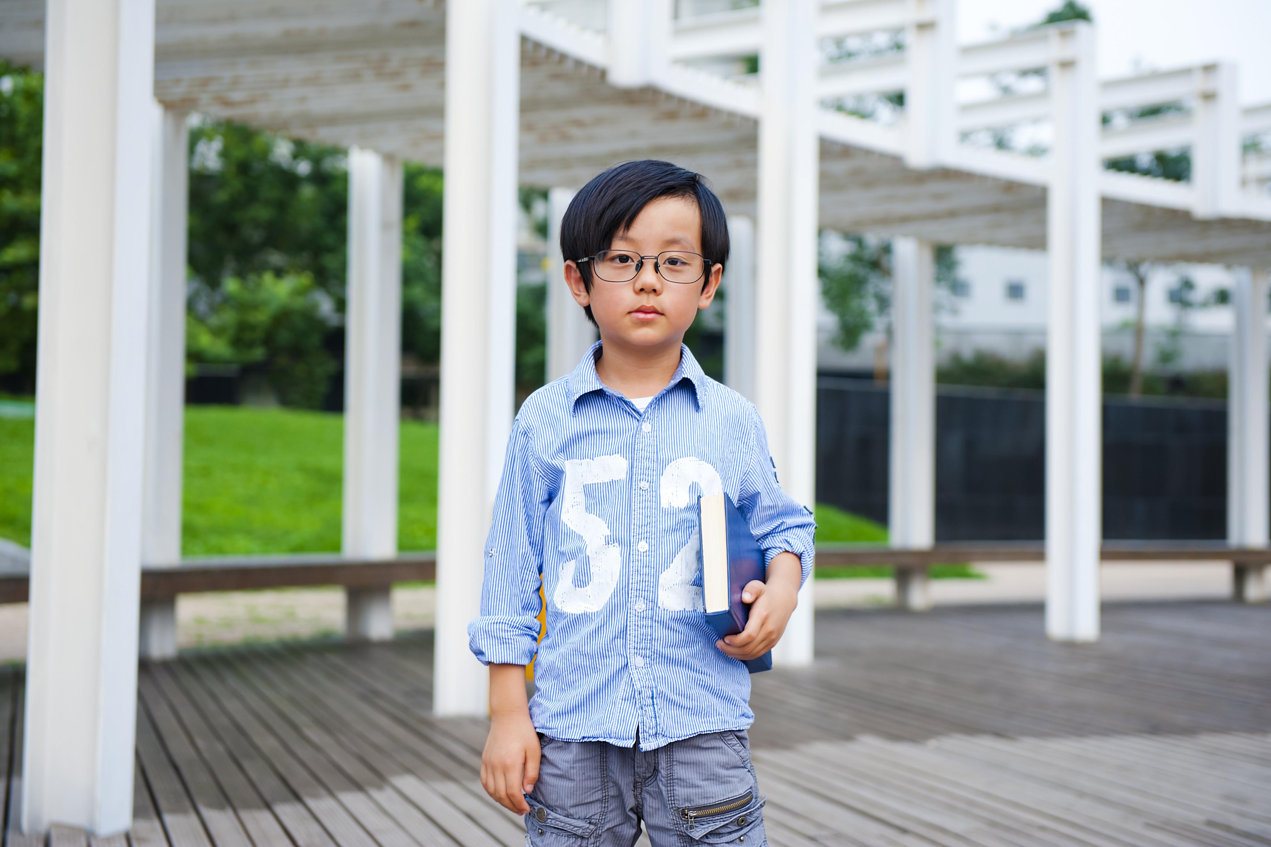 兒子何時才會達到既不讓人操心又很懂事的「已『獨』又回」呢?那真的有得等了,曙光可能出現在他們當爸爸的時候。(Shutterstock)