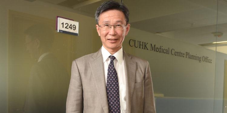 馮康醫生認為,輸入精英醫生有助緩解公立醫院壓力。(香港中文大學圖片)
