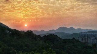 日出群山  Sunrise Amidst the Mountains