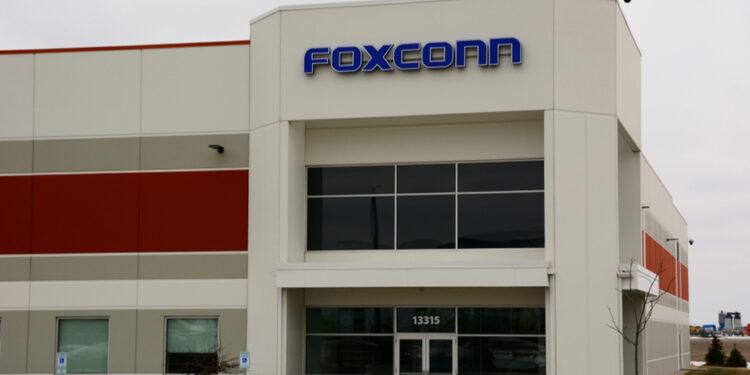 富士康在威斯康辛州設立的廠房,最終只用作口罩生產。(Shutterstock)