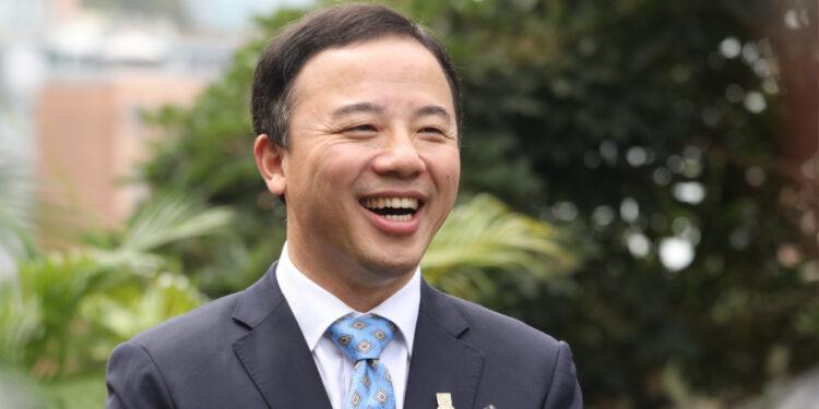 香港大學校長張翔希望能與其他優質高等院校一起合作,開拓新領域,互相得利。(文灼峰攝)